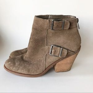 Lucky Brand Tan Suede Ankle Booties 10 Buckle